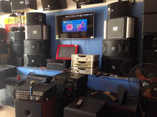 Loa karaoke BMB 850 được trưng bày tại showroomLoa karaoke BMB 850 được trưng bày tại showroom